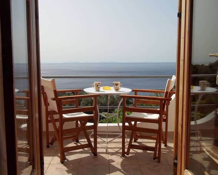 Apartment with balcony overlooking the sea Z.R. 1