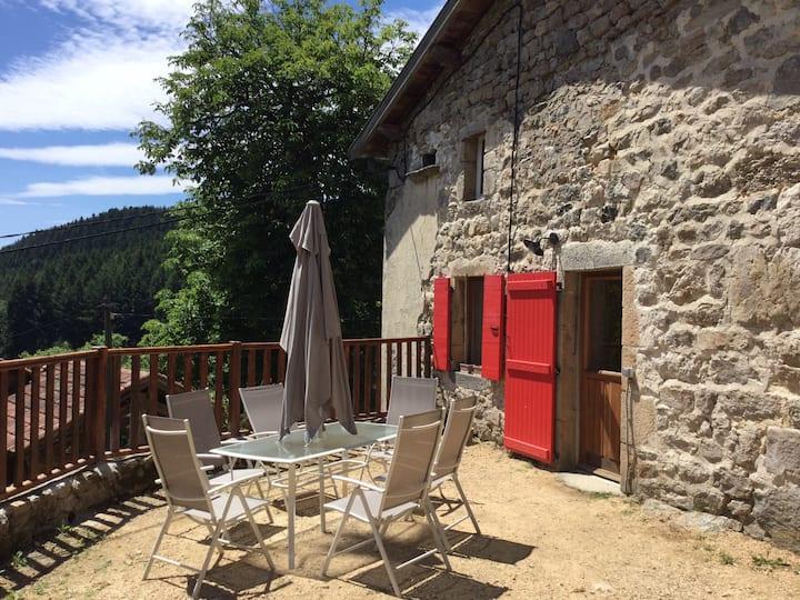 Gîte de Chenevière, en Ardèche.