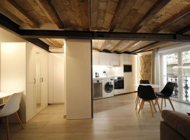 Cozy and Central Flat by Barcelona Touch Apartments
