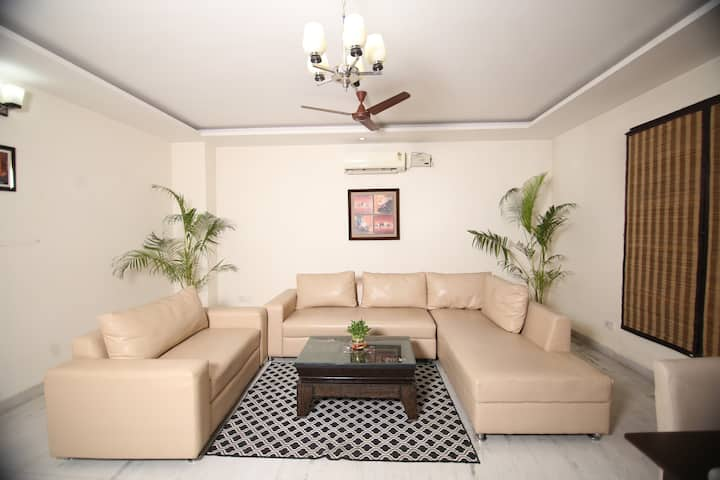 One BHK Lavish Service apartment Golf Course Road