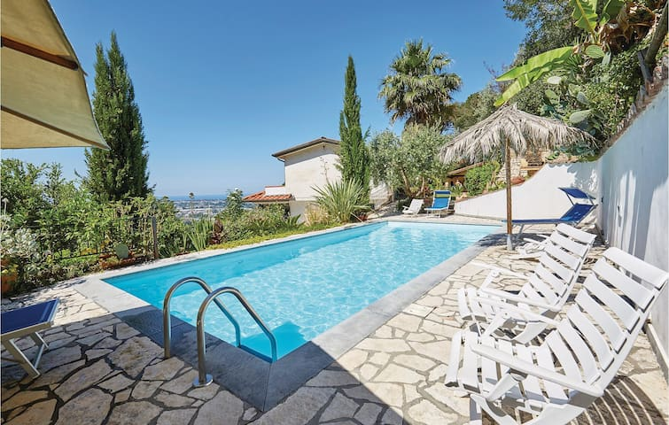 Holiday apartment with 1 room on 50m² in Camaiore -LU-