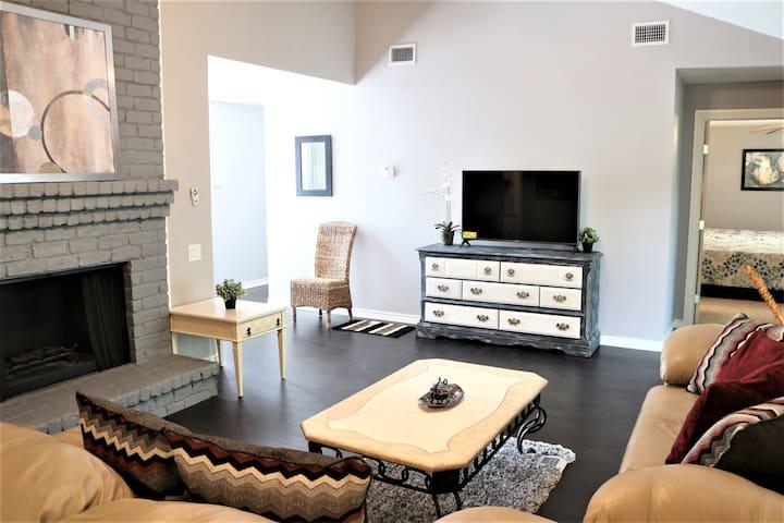 Charming 4 Bedroom House - Energy Corridor / Katy