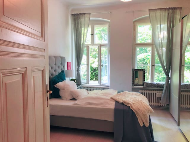 Charming artists 2 bedroom studio west of Berlin