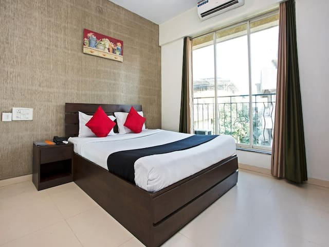Private Apartment room in Navi Mumbai near DAKC
