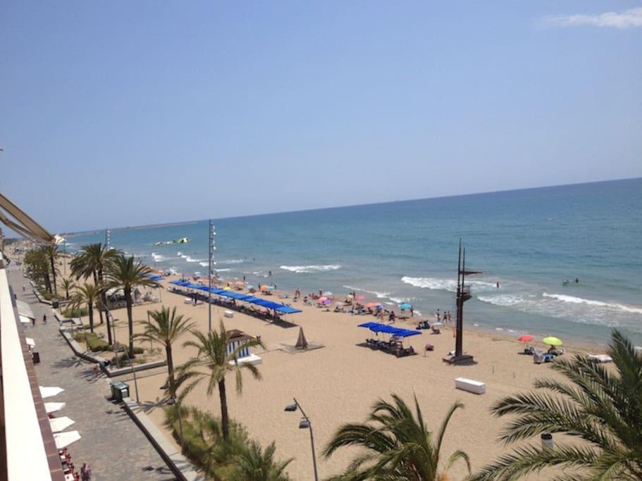 Vistas de la terraza a Calafell Playa