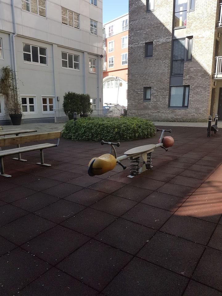 Sommer på Sørlandet/hytte i byen