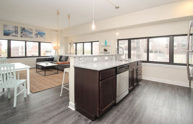 DISCOUNTED RATE! PRIVATE OASIS   2 BR