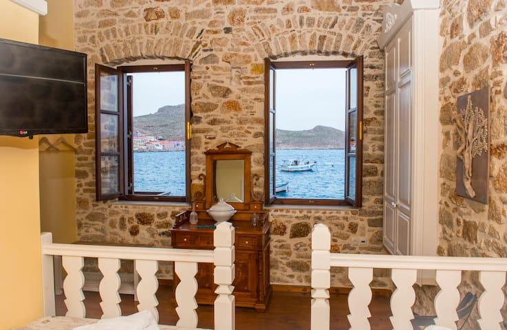 Seafront stone luxury villa - Chalki - House