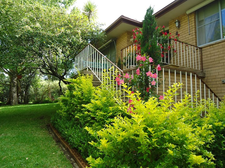 B&B AVAILABLE IN BEAUTIFUL HOUSE & IDEAL LOCATION