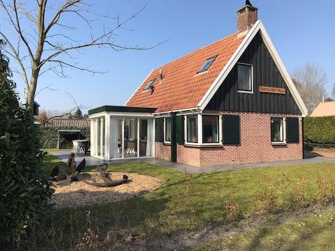 Vakantiewoning -6 pers- Lauwersoog park Robbenoort