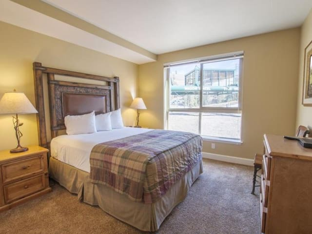 Excellent Studio Unit at Mountain Club Kirkwood