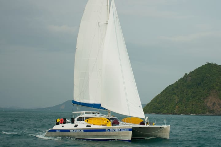 Cabin cruise to the islands of Phuket