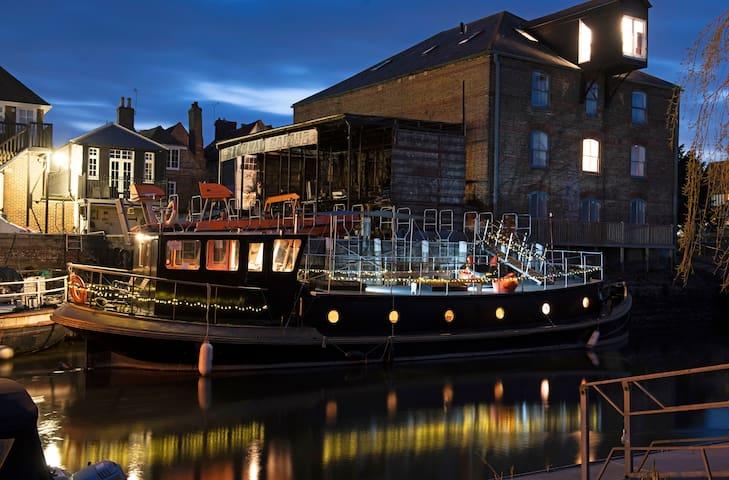 Dutch Barge, SALMESTONE, Sandwich, Kent