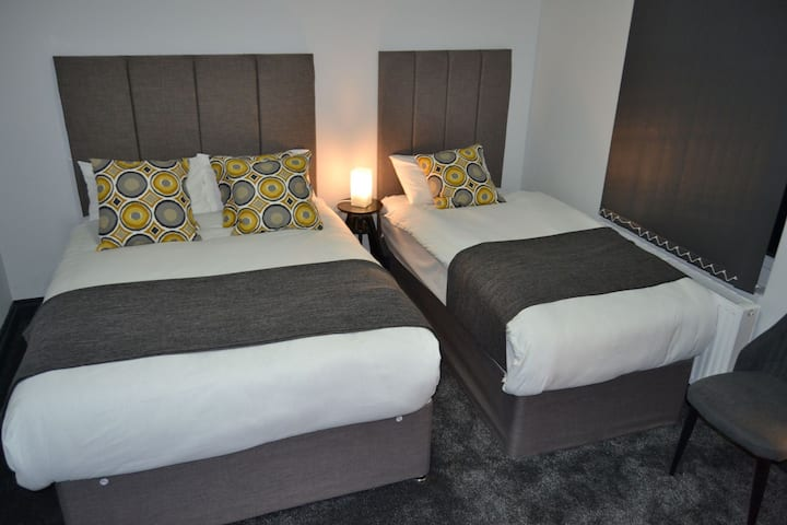 Manor House Hotel (Quadruple Room)