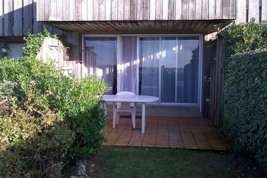Studio jardin vue oc an 40mplage wohnungen zur miete for Entretien jardin la rochelle