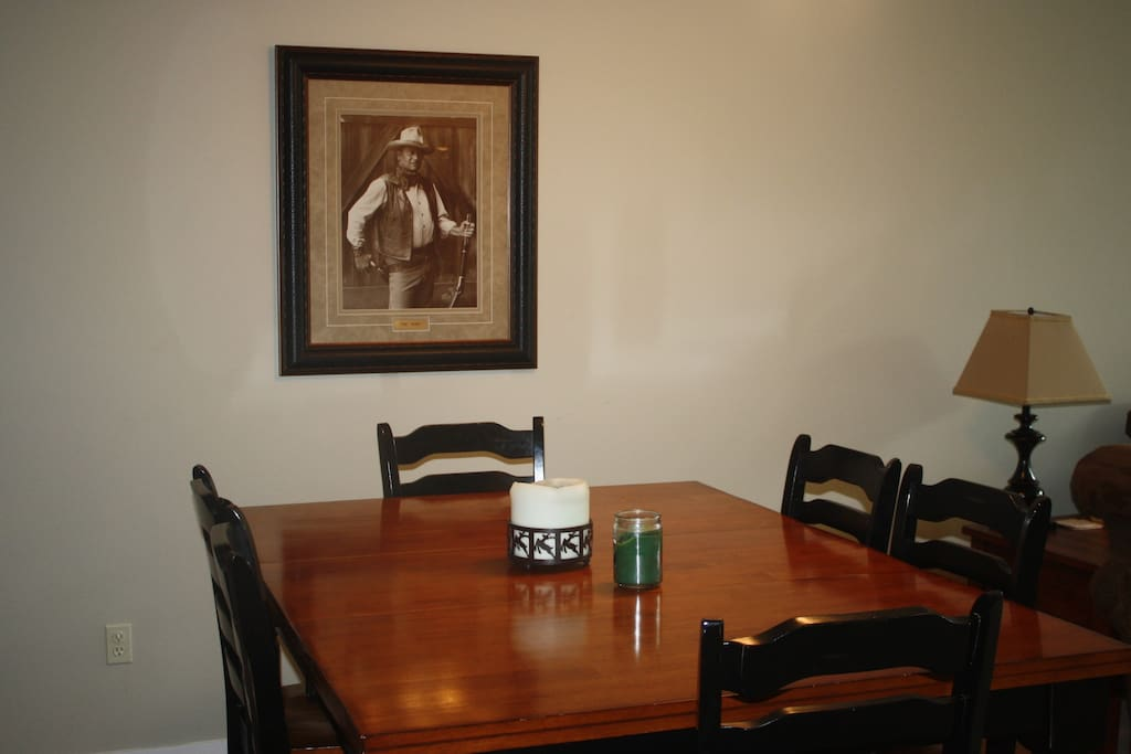Dining Table Seats 6 + 2 barstools