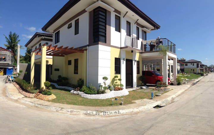 Fully Furnished 2 Storey House in Minglanilla Cebu