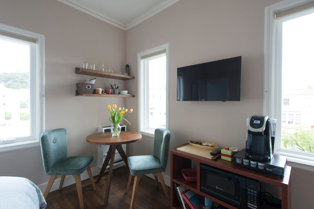 Tripod table and Mid-century chairs, coffee maker & microwave