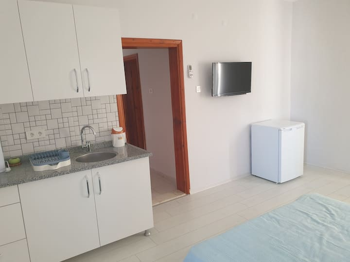 Large studio home full furnished