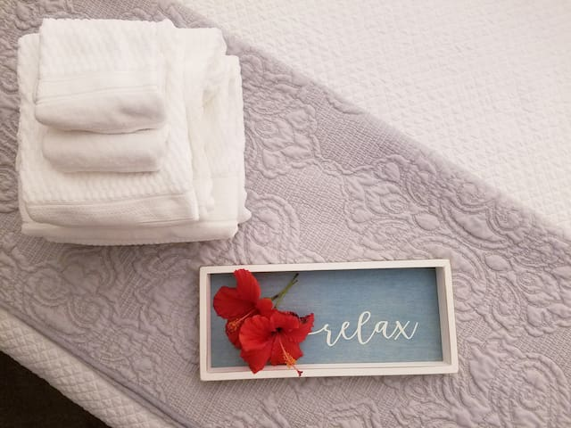 Relax in Luxurious Linens and Bedding