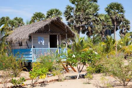 Soorya's Rest Holiday Cabana - Pottuvil - Chatka