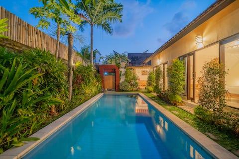 Hidden Gem - Cozy 2BR Villa with private pool