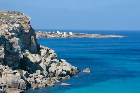 Cala Rossa Lodge | Seafront | One bedroom