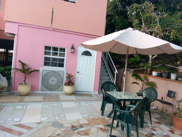 Bay leaf cottage
