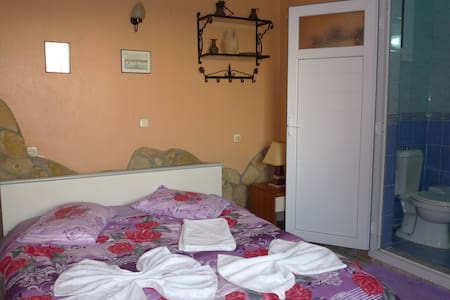 single private room inc wc, shower. - Selçuk - Guesthouse