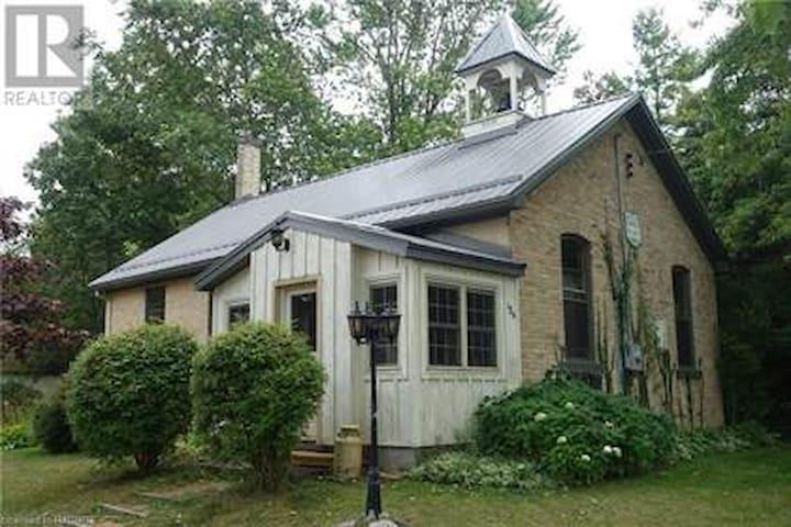 Unique School House Cottage