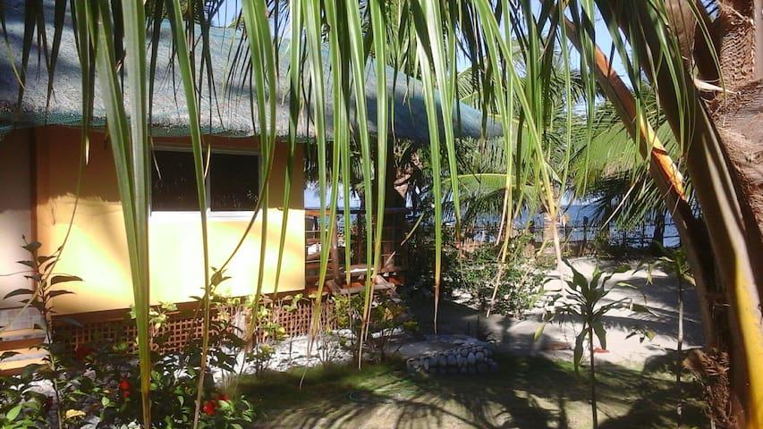 Beachhouse Udalo - Abra de Ilog - Dom