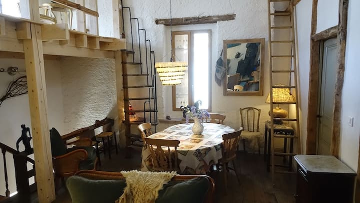 Maison de Charme dans Beau Village Français