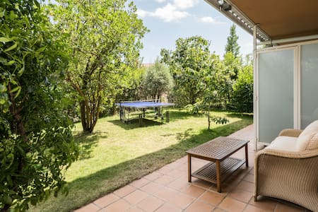 Quiet and bright apartment with big private garden - San Lorenzo de El Escorial - Apartament