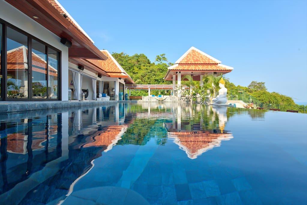 Nirvana luxury villa all inclusive case vacanze in for Case a buon mercato 4 camere da letto