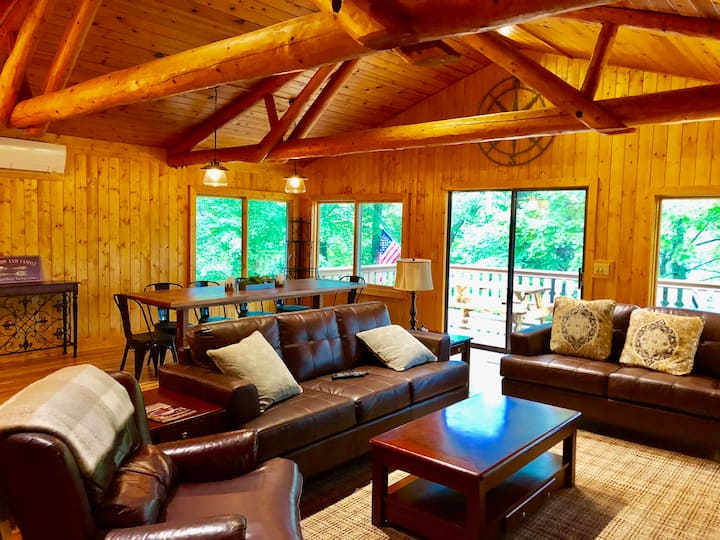 Connestee Falls 6 BR/5 Bath Private Home with 4 King Suites   TREETOP LODGE