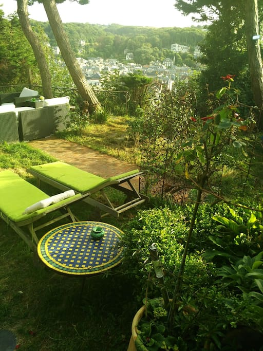Chambre Exotique Face Aux Falaises Bed Breakfasts For Rent In Tretat Normandie France