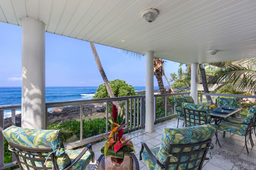 Relax on the Ocean Front Lanai