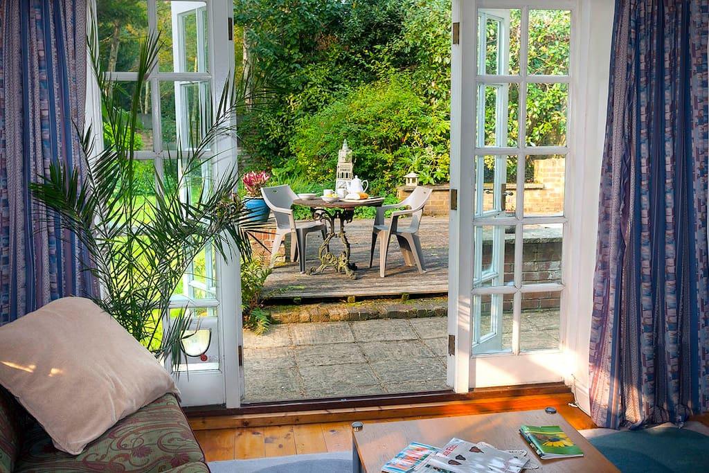 Breakfast in the studio garden