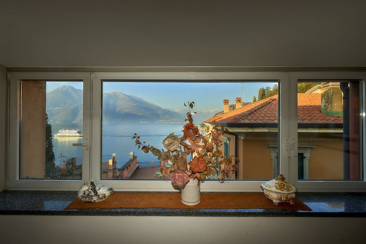 Stunning lakeview in Varenna full center, with A/C