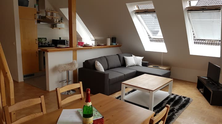 2 Zimmer Wohnung Dachgeschoß am See
