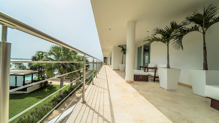 This Spacious villa comes with all the facilities and amenities for a very comfortable stay. Breakfast and cleaning included!