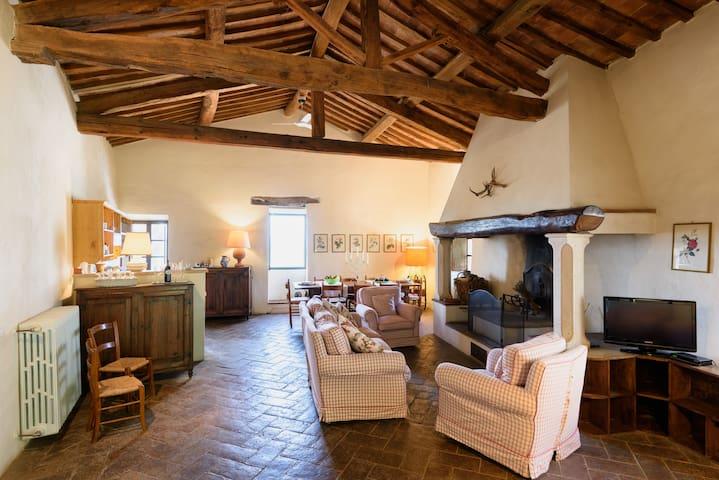 Borgo Lucignanello #Remo - San Giovanni d'Asso