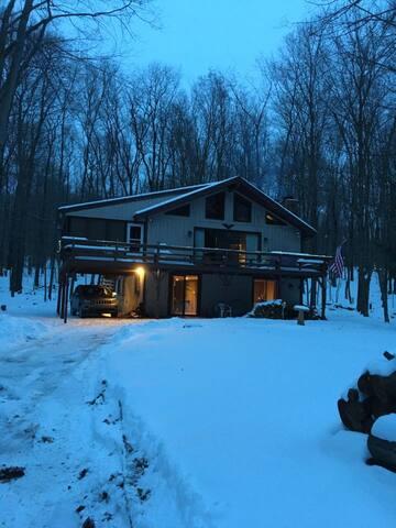 Chestnut Cottage - Big Bass Lake PA