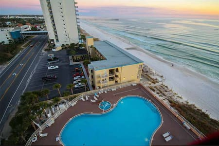TW2-818 - Escape to this Oceanfront Beauty with Smart Design Including Bunk Nook - Panama City Beach