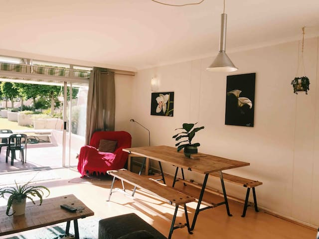 Modern&Relaxing Room, Rondebosch Main-Close to UCT