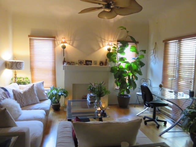 Spacious Beverly Hills Bungalow - Los Angeles - Apartamento