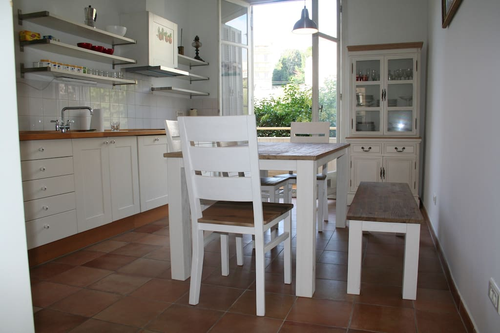 the biggest kitchen  in Nice! 17 m2