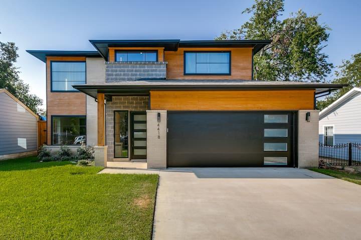 $1M+ Modern Luxury - Central Location - Love Field