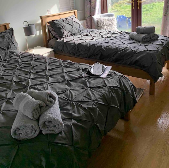 Londubh house Room 1