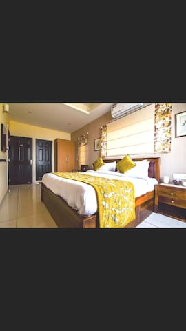 2 Bedroom Suites |Kitchenette/ jacuzzi/ Balcony |